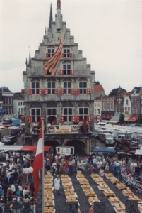 cheese market in front of the Gouda City Hall